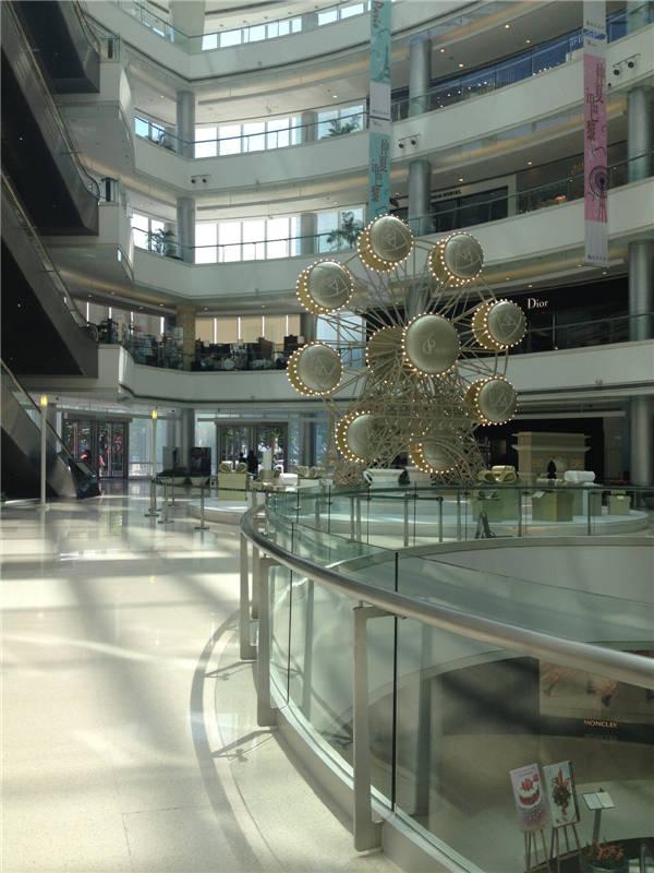 恒隆广场8月季末大气中庭设计欣赏
