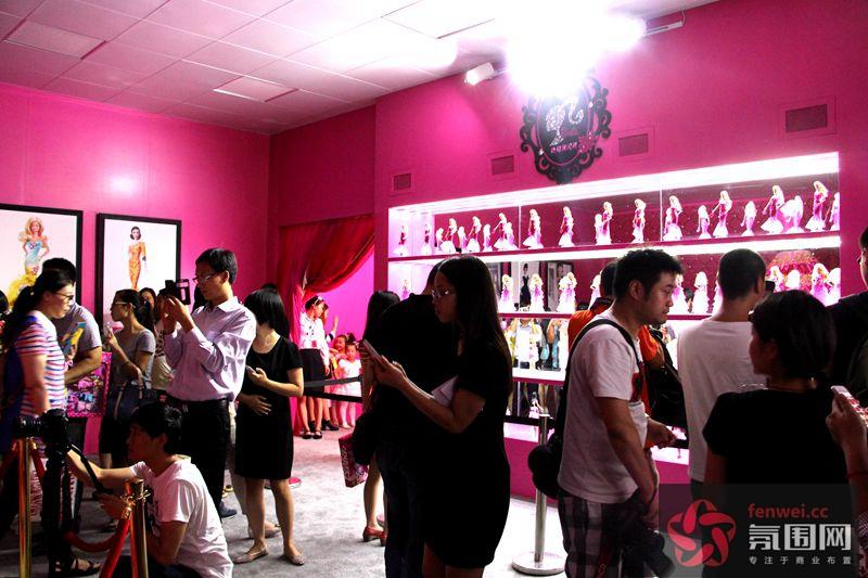 郑州国贸360广场-芭比娃娃时尚主题展