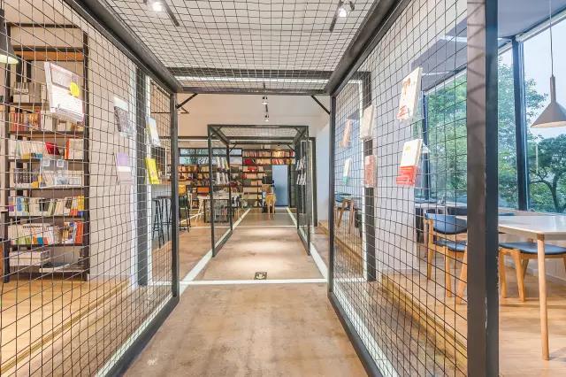 可以过夜的人文书店,你想去体验吗